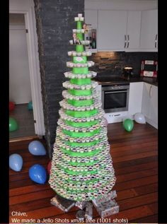 Jell-O shot Christmas tree. Holiday partyyyyy!!!