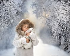 This Russian Photographer Captures Stunning Photos Of Kids And Their Pets Elena Shumilova I Love Winter, Winter Kids, Winter Wonder, Winter White, Photo Zen, Winter Schnee, Winter Beauty, Photographing Kids, Photography Tutorials