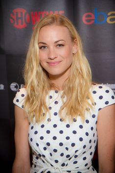 Yvonne Strahovski Hot Body Sexy Pictures Bikini Feet Leaked Wallpapers Hottest Young Actresses, Yvonne Strahovski, Clothes Pictures, Old Actress, Elle Fanning, Bikini Photos, Hot Bikini, Hottest Photos, Dark Hair