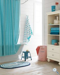 Love the aqua and coral contrast.  Fun use of patterns.