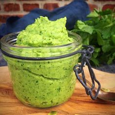 The color of this broccolipesto is incredible!
