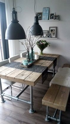 Farmhouse table with pipe legs