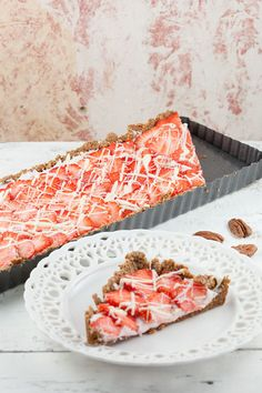 Strawberry-pecan pie