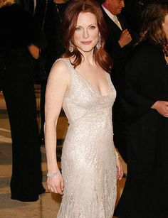 Julianne Moore in a silver sequined ~ so lovely