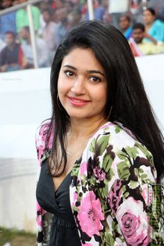 Actress Poonam Bajwa 2017 New HD Pictures - Gethu Cinema Beautiful Girl Photo, Cute Girl Photo, Beautiful Girl Indian, Most Beautiful Indian Actress, Beautiful Actresses, Indian Actress Gallery, South Indian Actress Hot, Indian Film Actress, Indian Actresses