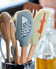 Get cooking with the fun and versatile silicone spatulas from Scion Living. Choose between Mr Fox and Spike the Hedgehog when cooking up a delicious dinner for the family!