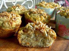 I still remember the very first time my mother made me avocado muffins. The delicious, n. Healthy School Snacks, Healthy Sweet Treats, Coconut Muffins, Healthy Muffins, Brunch Recipes, Dessert Recipes, Muffin Recipes, Real Food Recipes, Cooking Recipes