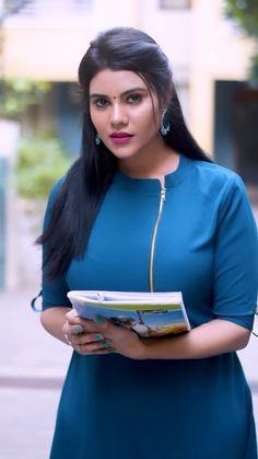 Beautiful Bollywood Actress, Most Beautiful Indian Actress, India Beauty, Asian Beauty, Monica Bellucci Photo, Indian Wedding Photography Poses, Tamil Girls, Cute Beauty, Tamil Actress