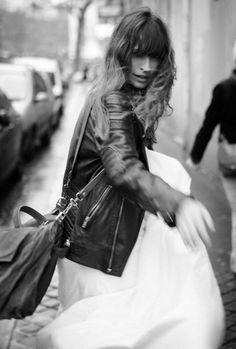 Love her, styling, shot with movement #7días7looks de Caroline de Maigret © Rubén Vega