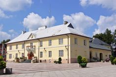 Szczebrzeszyn - Ratusz i rynek.