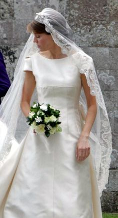 British and Greek Royals Attend British Society Wedding – Royal Hats Royal Wedding Gowns, Royal Weddings, Bridal Gowns, Wedding Dresses, Grace Kelly Wedding, Royal Uk, Royal Brides, Lace Veils, Princesa Diana