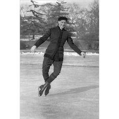 Buyenlarge 'Double Toe Pirouette' Photographic Print