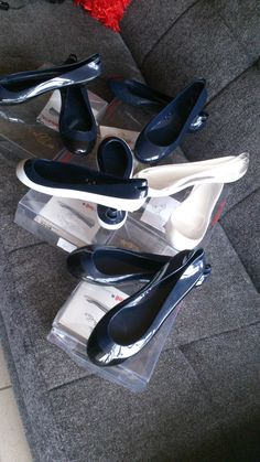 1000 images about ballerine glue cinderella by kartell on pinterest polos la mode and jeans - Enlever super glue ...