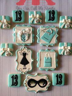Breakfast at tiffanys cupcakes treats 67 Ideas Fancy Cookies, Iced Cookies, Cute Cookies, Royal Icing Cookies, Cupcake Cookies, Sugar Cookies, Tiffany Theme, Tiffany Party, Tiffany Blue