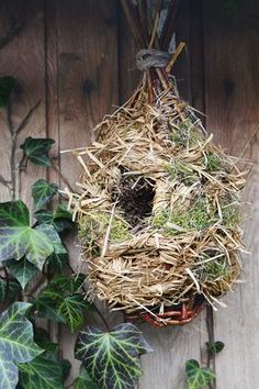 Make yourself this birdhouse. With some strands of wicker and straw, nothing more solid! Spirit Of Here, Garden Of Here