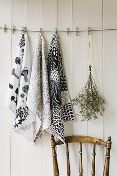 Ręcznik House of Rym Shrooms Gone Wild czarny - NORD-Home - Ręczniki