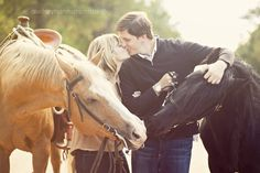I would love to have horses in my engagement photos .... Audrey Hannah Photo Blog