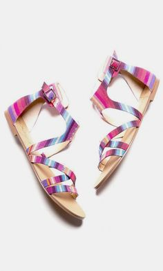 Strappy gladiator sandal with an open toe