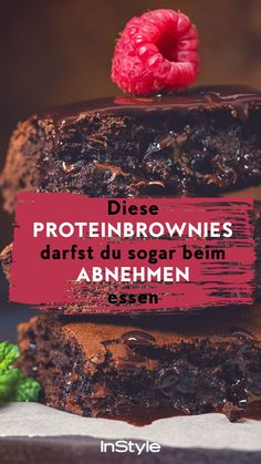Diet: These protein brownies are diet-compliant - and .-Ernährung: Diese Protein Brownies sind Diät-konform – und schmecken trotzdem super lecker Thanks to an extra portion of protein, you can even eat these brownies if you want to lose weight. Protein Brownies, Protein Desserts, Brownie Low Carb, Protein Foods, Low Carb Desserts, Protein Smoothies, Healthy Sweets, Healthy Snacks, Healthy Recipes