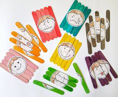 Giocare con le Emozioni. Attività per bambini sulle emozioni Crafts For Kids, Lily, Teaching, Children, Education, Feelings, Crafts For Children, Young Children, Boys