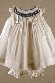 Smocked dress - so pretty Smocking Baby, Smocking Patterns, Little Girl Dresses, Girls Dresses, Smocks, Angel Dress, Frocks For Girls, Heirloom Sewing, Romper Pattern