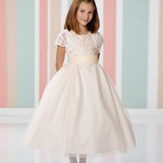 >> Click to Buy << New Arrival Flower Girls Scoop Neckline Lace Applique Tulle Ball Gowns Sweety Girls First Communion Dress with Jacket Dresses   #Affiliate