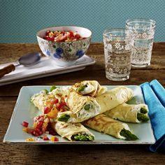 Unser beliebtes Rezept für Spargelcrêpes mit Tomatensalsa und mehr als 55.000 weitere kostenlose Rezepte auf LECKER.de.