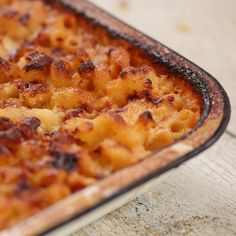 Fancy Mac And Cheese The quickest and easiest one pot mac and cheese around Fancy Mac And Cheese, Macaroni Cheese Recipes, Easy Cupcake Recipes, Mozzarella Sticks, Tasty Dishes, No Cook Meals, Food Videos, Food To Make, Food Porn