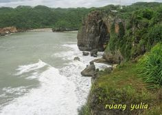 Ruang Yulia: Indahnya Pantai Yogyakarta