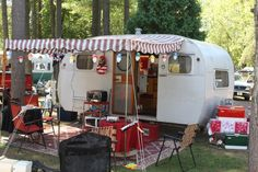 Lovely vintage trailer and set up.