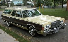 1977 Chrysler Town & Country wagon by That Hartford Guy, via Flickr