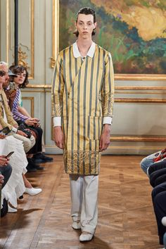 Bode Spring 2020 Menswear Fashion Show Collection: See the complete Bode Spring 2020 Menswear collection. Look 1 Milan Fashion Weeks, Paris Fashion, Autumn Fashion, Backstage, Downtown New York, Mens Trends, Youth Culture, Fashion Today, Fashion Show Collection