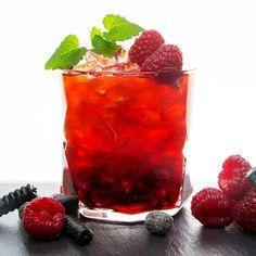 Är du galen i hallon och lakrits? Här är den perfekta fredagsdrinken för dig! Den är framtagen av Jennie Pihl och kommer dessutom serveras på Lakritsfestivalen i Stockholm 23-24 april.