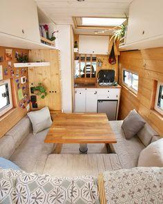 caravan design 133982157652088541 – Vanlife – Nomad – Vanliving 🚌🌎 on … Campervan Insurance, Kombi Motorhome, Van Life, Van Conversion Interior, Camper Van Conversion Diy, Interior Trailer, Converted Vans, Converted Van Campers, Kombi Home