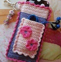 Crochet Phone Cover crochet phone wallet - ideas for crochet dish soap apron Crochet Phone Cover, Bag Crochet, Crochet Pouch, Crochet Purses, Crochet Gifts, Cute Crochet, Crochet Designs, Crochet Patterns, Crochet Mobile
