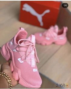 Cute Sneakers, Casual Sneakers, Sneakers Fashion, Fashion Shoes, Shoes Sneakers, Jordan Shoes Girls, Girls Shoes, Shoes Women, Hype Shoes