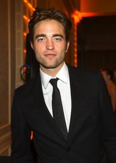 New pic of Rob at HFPA event