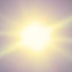 's Ochtends was het zonlicht zo fel dat Klaus zijn ogen onder de lakens opende. Hij fantaseerde dat hij nog niet wakker was, niet hier, maar elders, in een droom, een fabelwoud van licht.       ZOMER door Ernest van der Kwast