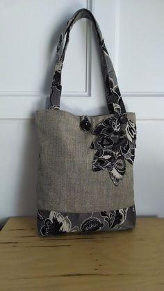 black tote bag brown purse floral handbag by BerkshireCollections Tote Bags Handmade, Handmade Purses, Diy Bags, Handmade Handbags, Grey Purses, Brown Purses, Purses Boho, Patchwork Bags, Quilted Bag
