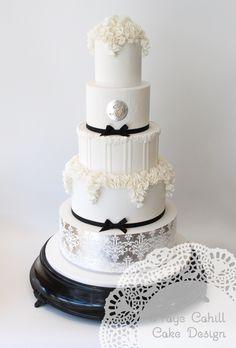 Featured Wedding Cake: Faye Cahill Cake Design; www.fayecahill.com.au; Wedding cake idea.