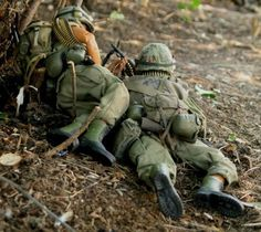 A selection of photos of inch) action figures, from various on-line stories and comic strips, from the to the early Century. Military Action Figures, Lever Action Rifles, Vietnam War Photos, Diorama Ideas, Military Diorama, Toy Soldiers, Model Kits, Small World, Gi Joe