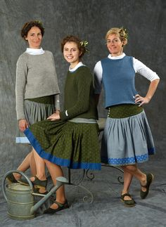 Kollektion 2015 Source by ferdaslamolu Pleated Skirt Pattern, Lace Skirt, Folk Fashion, Womens Fashion, Fashion Trends, Winter Outfits 2019, Oktoberfest Outfit, Traditional Fashion, Skirt Pants