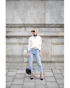 Todays Outfit – Scarf, White Shirt & Vintage Levi's. | Victoria Törnegren | Bloglovin'