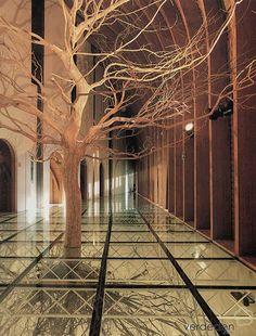 árbol interior pabellón Hungría Expo 92 Landscape Elements, World's Fair, Pavilion, Places Ive Been, Spain, Exterior, Interior Design, Future, Deco