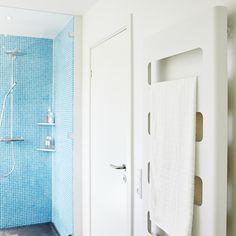 Smuk bruseniche i azur blå mosaik