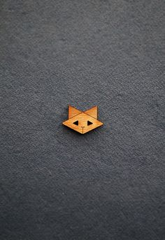 Cat Wooden Button (origami cats, geometric, kitty, kitten, timber, wood, bamboo, kids clothing, dressmaking, diy supplies, embellishment)