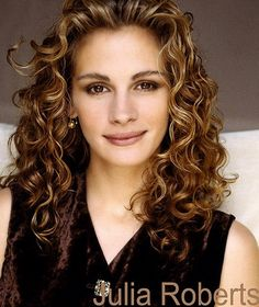 natural curly hairstyles Julia Roberts