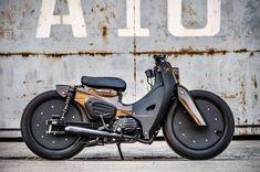 Custom Moped, Custom Motorcycle Helmets, Motorcycle Bike, Custom Bikes, Women Motorcycle, Honda Cub, Honda Motorcycles, Vintage Motorcycles, Trike Bicycle
