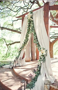 gorgeous drapery  garland