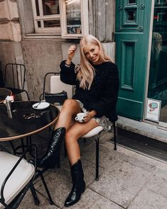 Boots outfit Fresh Cowboy Boots Outfits Id… Boots outfit Fresh Cowboy Boots Outfits Ideas Ideas for fresh cowboy boots Casual Winter Outfits, Winter Boots Outfits, Fall Outfits, Outfit Winter, Outfits With Boots, Flat Boots Outfit, Summer Boots Outfit, Winter Shoes, Fashionista Trends